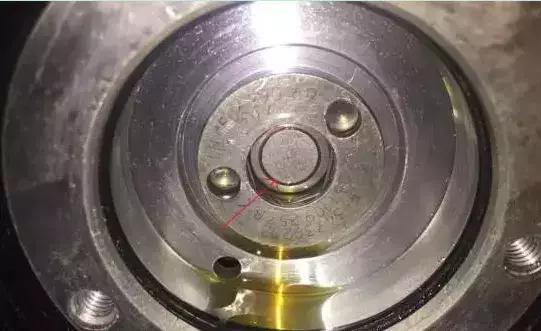 再次检查发动机转速传感器g28与凸轮轴位置传感器g40