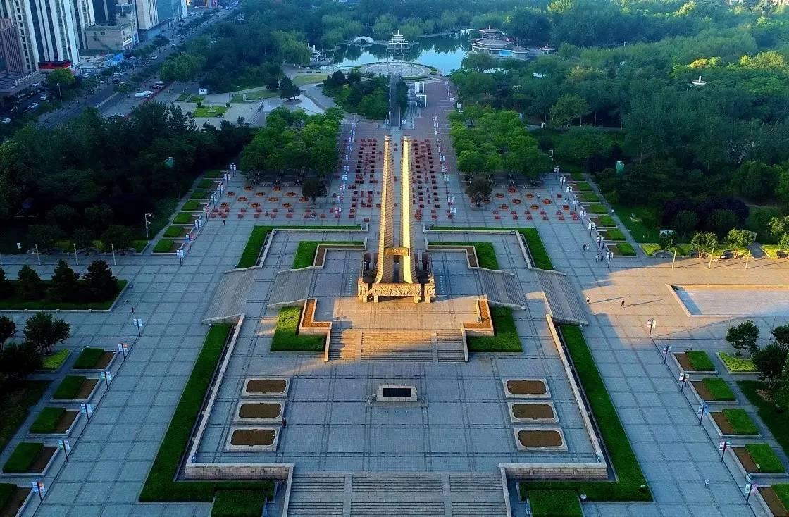 唐山市区地�_《飞阅唐山》,用9张精彩的图片展示了我市抗震纪念碑广场,市区街景,南