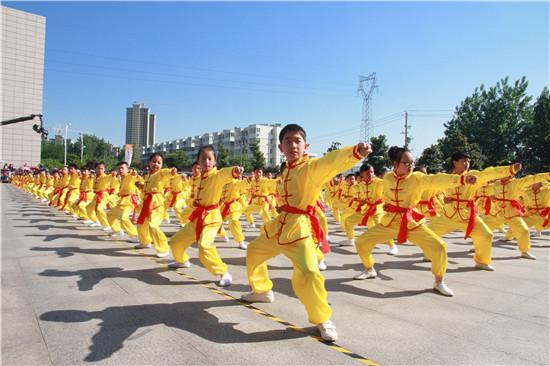 """盱眙第一小学举办第八届校园艺术节庆""""六一""""活动"""
