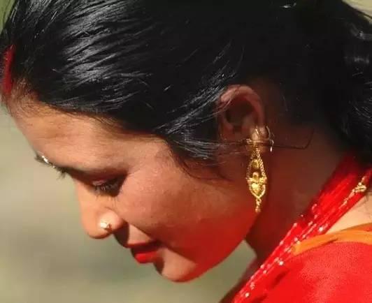世界上唯一没有寡妇,女人公开沐浴的国度,竟美得如此脱尘