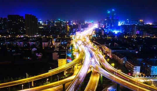 """南京夜景照明三年提升计划,以""""南京站,南京南站""""为""""明眸"""",以内环,外"""