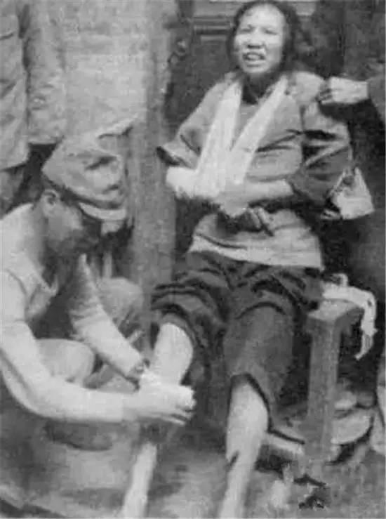 """日本突破人类耻辱底线的照片,如今竟被列入日本教科"""""""