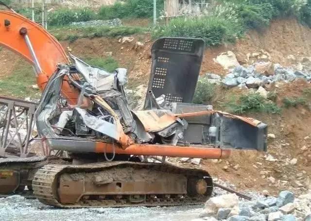 挖掘机各种事故原因分析,挖机老板赶紧看看