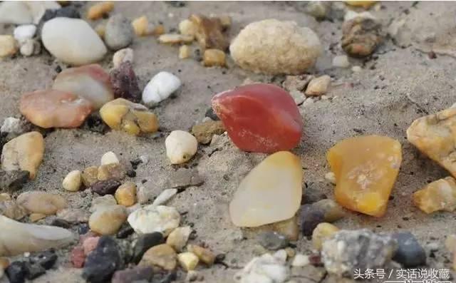 新疆戈壁滩上的这些石头,竟然比黄金还贵 教你在16个不同的地方捡