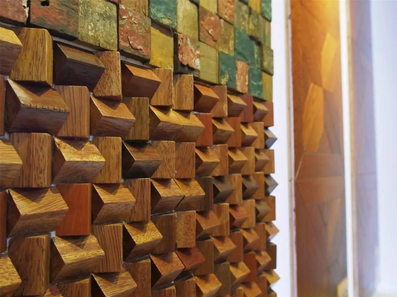 拼花地板是一种以不同色彩和树种的木皮拼接、呈现或具体或抽象的图