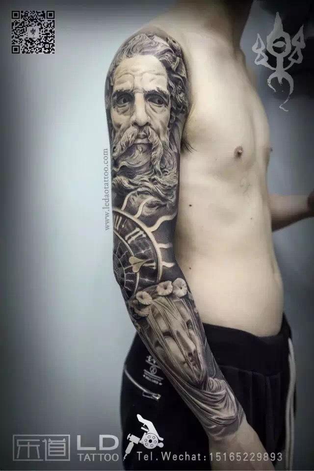 位安静又疯狂的纹身师 十年只做一件事