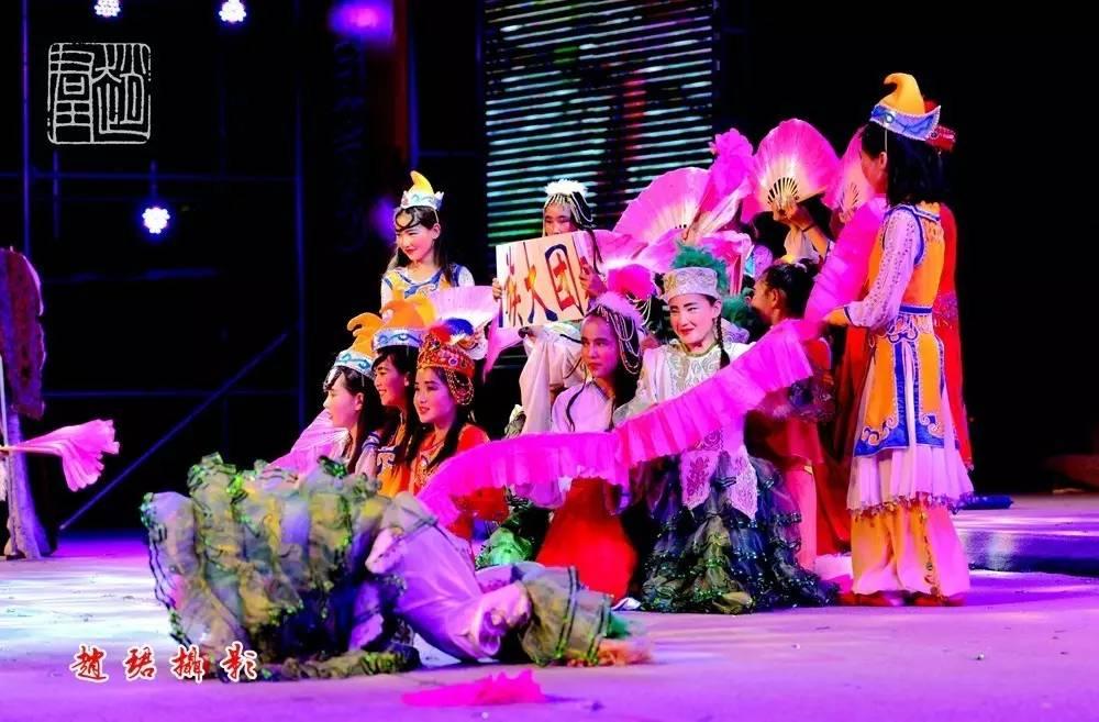 """十三师""""红领巾相约中国梦""""舞蹈大赛圆满落幕"""