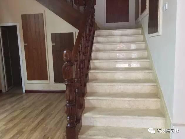 家装大理石楼梯踏步实拍