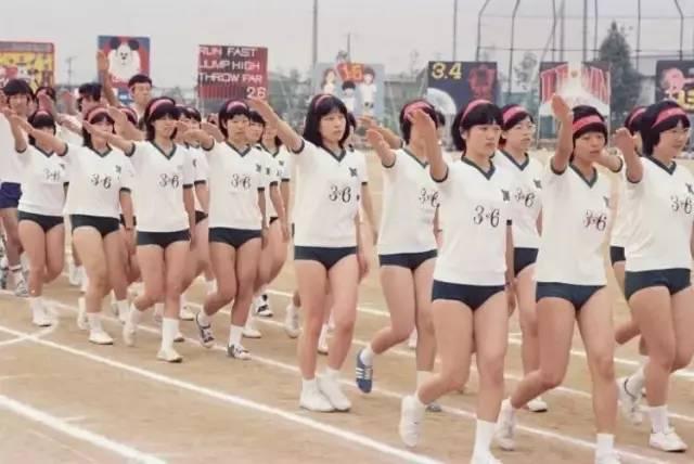 为什么日本女生的体操裤超级短?