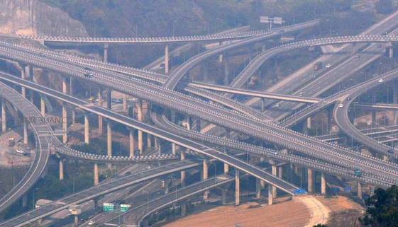黄桷湾立交 走错一个匝道,就是重庆一日游