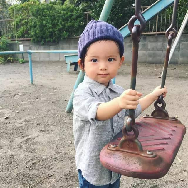 这个日本小男孩可爱到犯规!