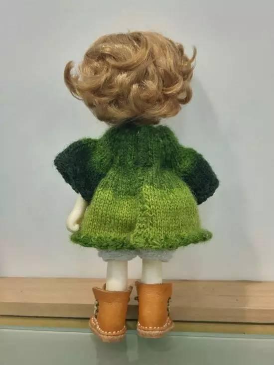 她给娃娃编织的毛衣,超越了芭比娃娃服装设计师,太美