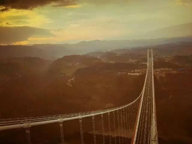 亚洲第一大桥即将通车,美国专家惊呆了!云雾飘渺,直通缅甸