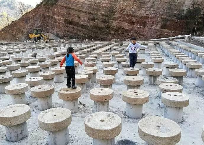 旅游 正文  太行花溪谷于2013年3月开始以牛心山为主体开工建设,距离