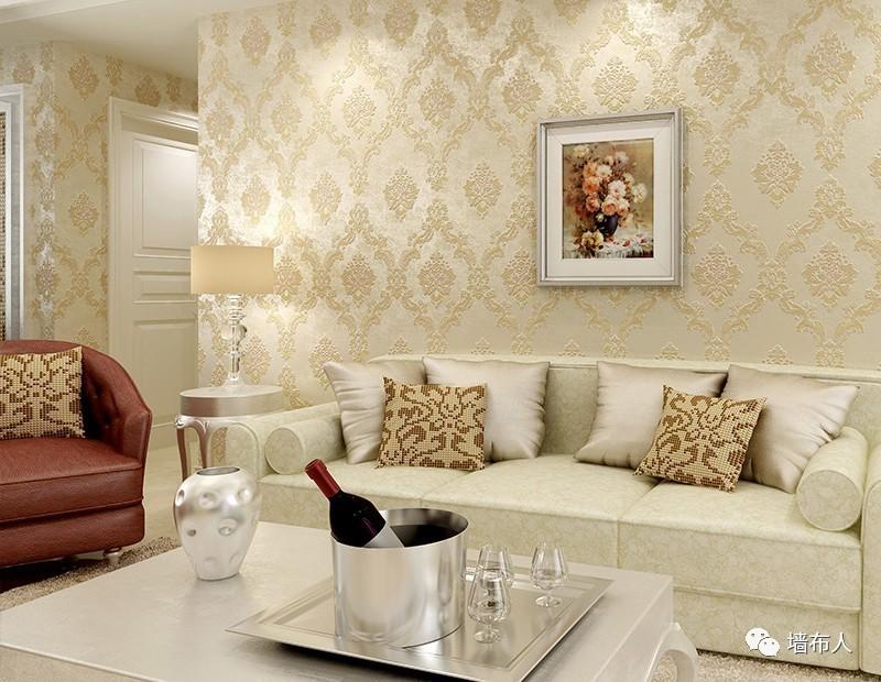 高贵优雅是欧式风格的一个特点,无论是在家具选择上,还是家居搭配