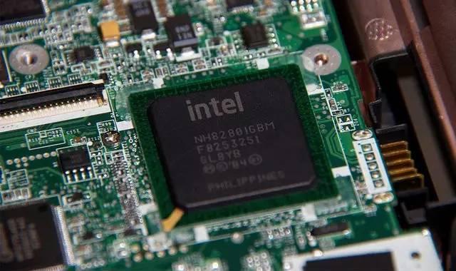 英特尔发布i9电脑CPU不再沉寂