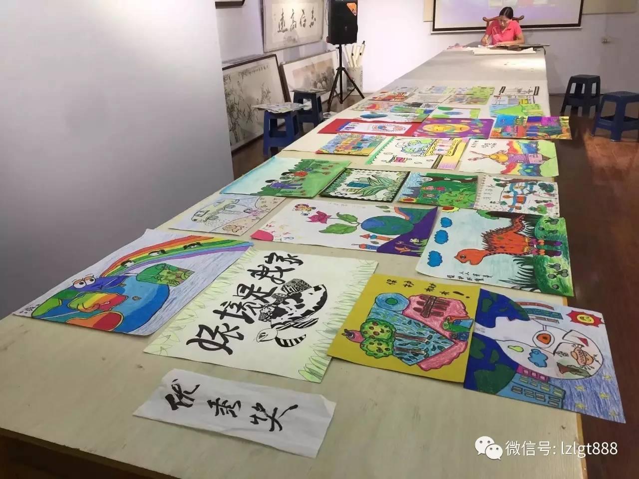 林州市首届少儿手工制作及环保绘画比赛初评现场剪影