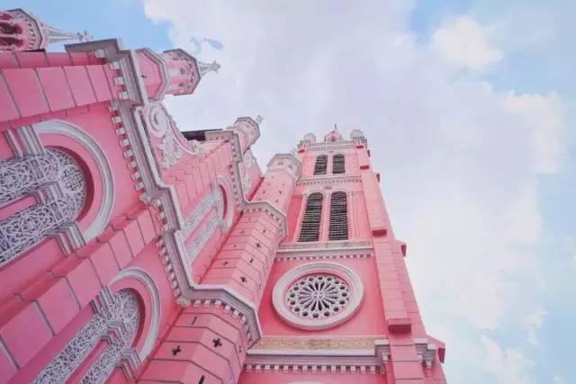 广州这个6000㎡的粉红世界,能炸裂60岁的少女心!