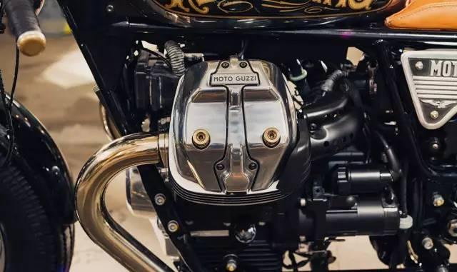抛光发动机缸头盖,黄铜制作