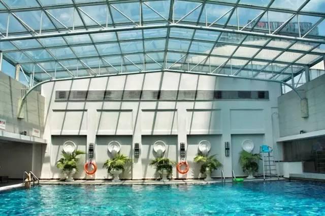 恒温泳池钢结构玻璃顶