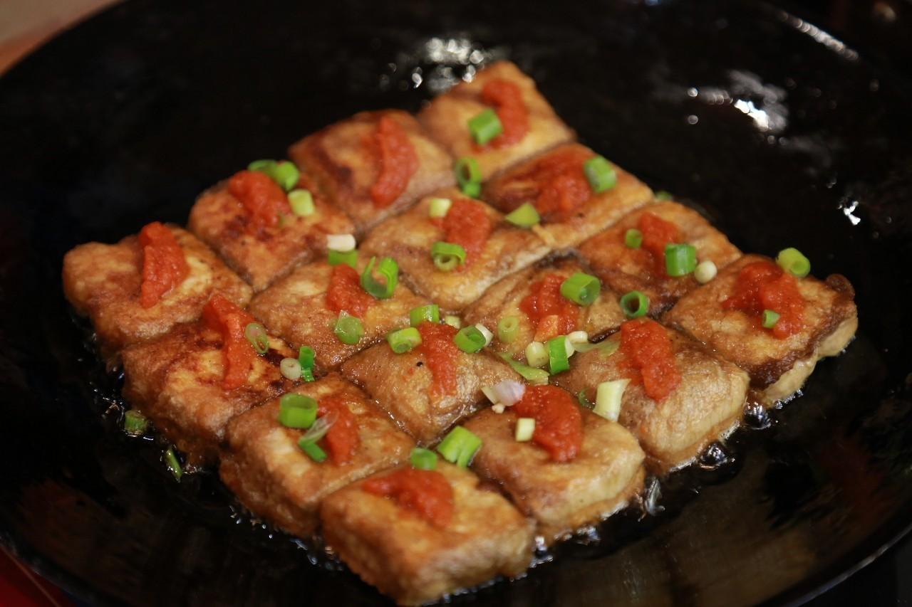 百年毛豆腐,韵味绵长;薄皮绉纱馄饨,鲜美弹牙!