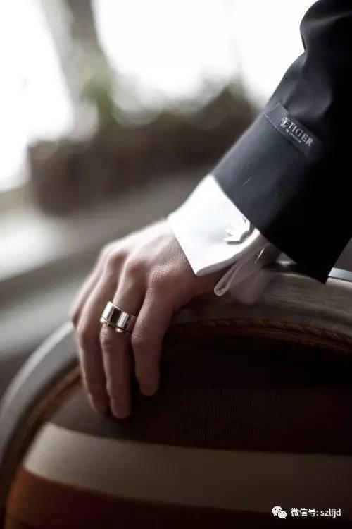 时尚 正文  戒指的戴法和意义一直是不少男生和男士非常关注的话题