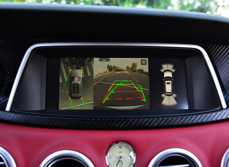 相比之下,全新哈弗H6低配车型中,GPS导航系统为选装功能,而新途观L的低配车型甚至不提供GPS导航系统;倒车影像方面,两款竞品车型都未实现标配,要知道,这一功能将在车主倒车时提供极大便利,同时也更加能保证安全,如若要加装倒车影像系统,市场价往往要达到2000元左右;而能为车主解放双脚的定速巡航功能,哈弗H6的低配版本也没有搭载。虽然低配已经足够厚道,但是如果要让笔者来选,肯定是直奔中高配而去的,理由如下。 主动防护在先,安全有保障 全系标配是诚意的基础,而接下来这些进阶性的主动安全配置,可能才是真正挑