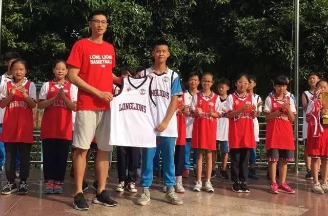 李学林,朱旭航来招师弟--广州龙狮追梦征途选秀活动在图片