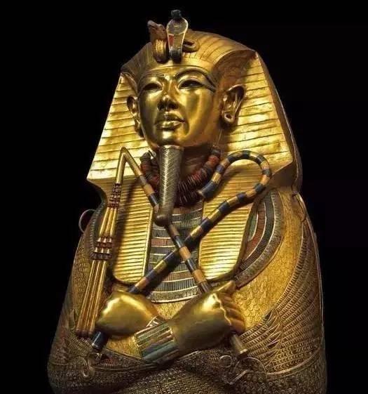 其实,真正的古代木乃伊,妆容在当时就非常讲究.