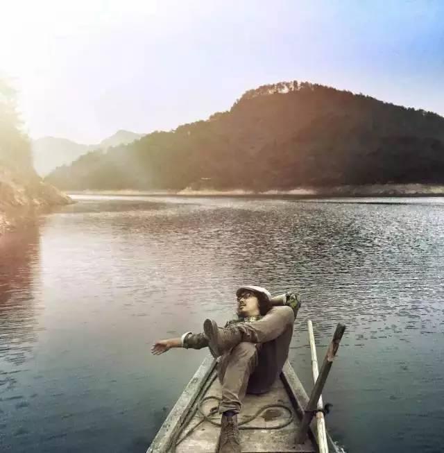 不羁谓蓝,以梦为马,千岛湖流浪设计师带来的诗和远方