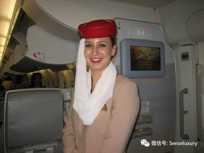 一位阿联酋航空中国籍空姐 万米高空看国民素质,我很悲伤图片
