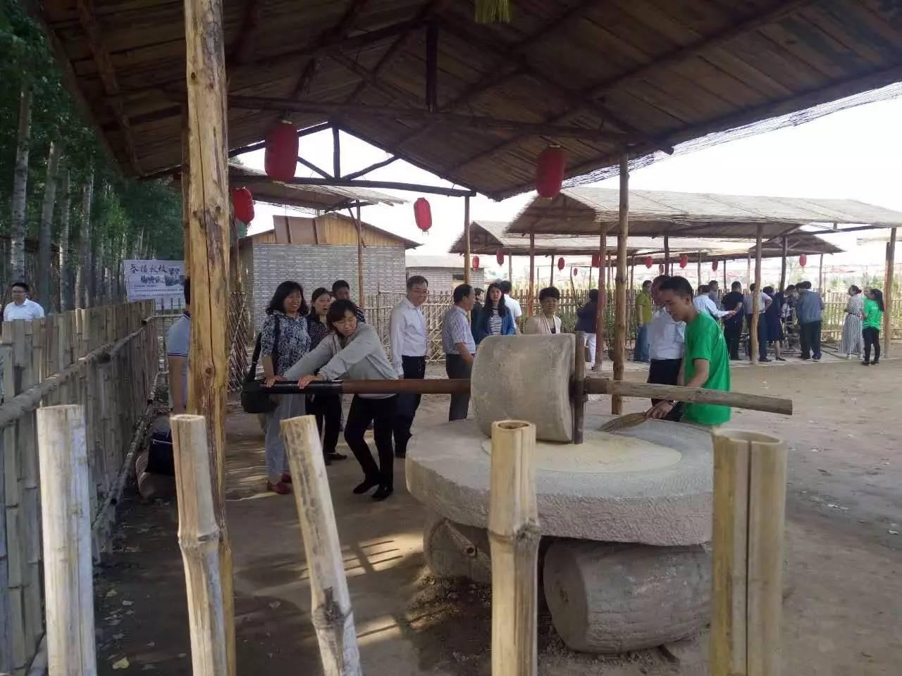 大型活动区,自然课堂区,小型动物园,滑雪滑草场等,已成为临汾市襄汾县
