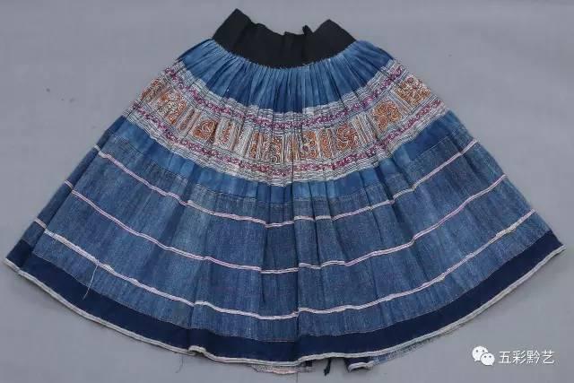 ◥百褶裙正面图