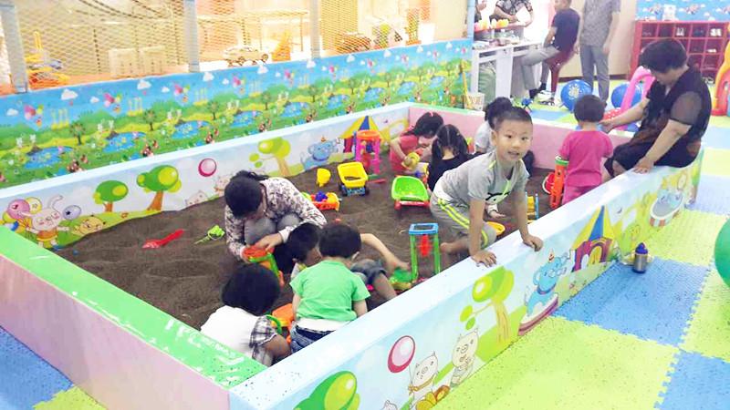 儿童游乐园强身又益智