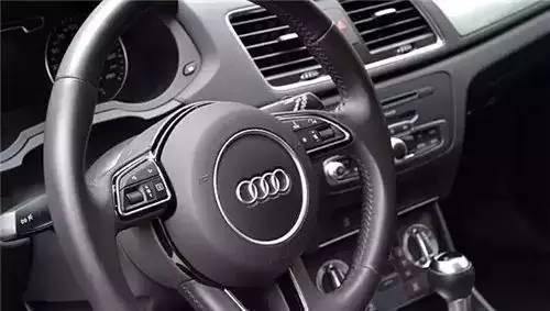 汽车 正文  很多硬派越野车都有这个按钮,而豪华车则有着诸如4matic,x