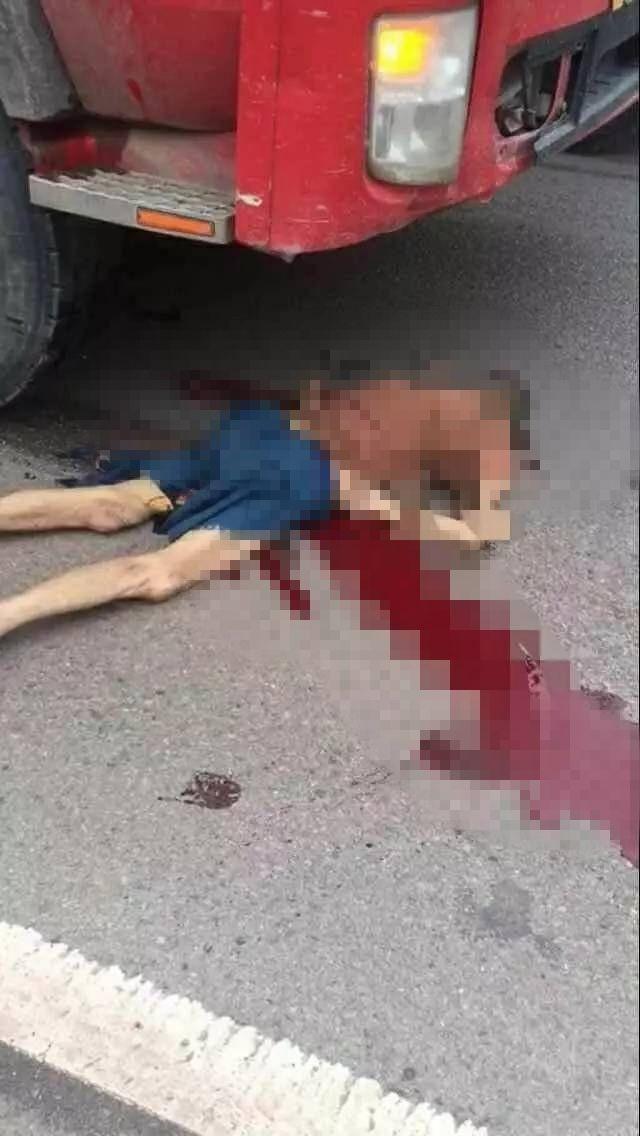 交通事故死亡起�y.i_南充某高速路口发生一起交通事故,致两人死亡