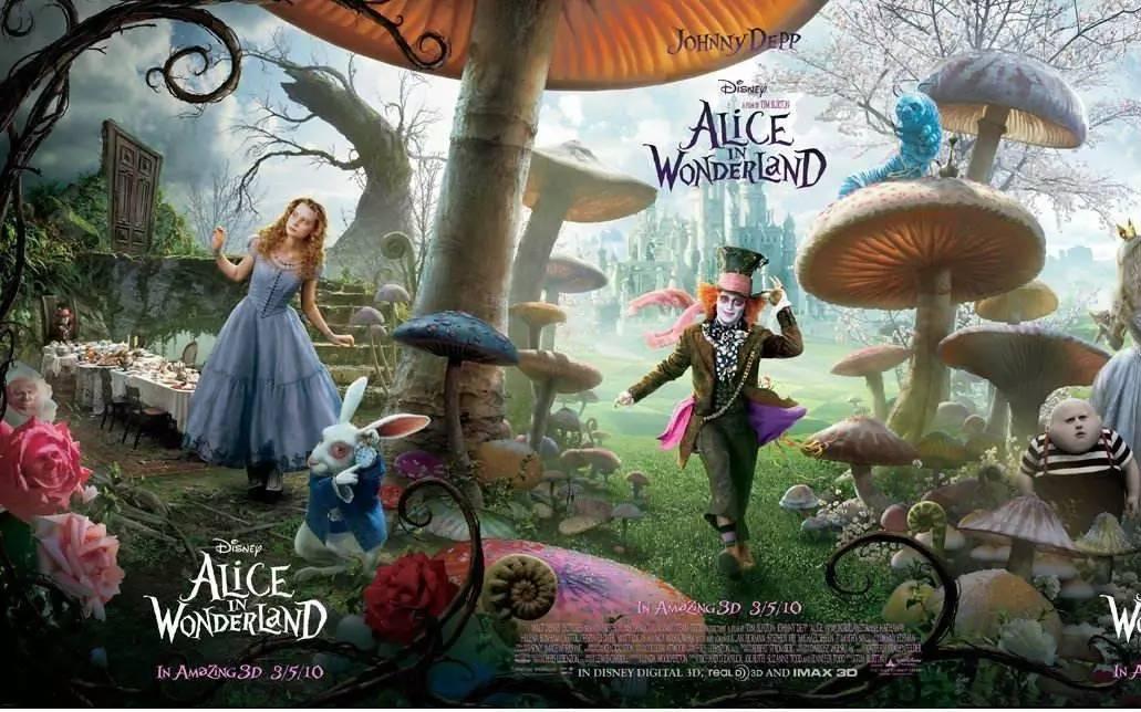 电影《爱丽丝梦游仙境》中的彩绘玻璃,在哈利波特中也出现过