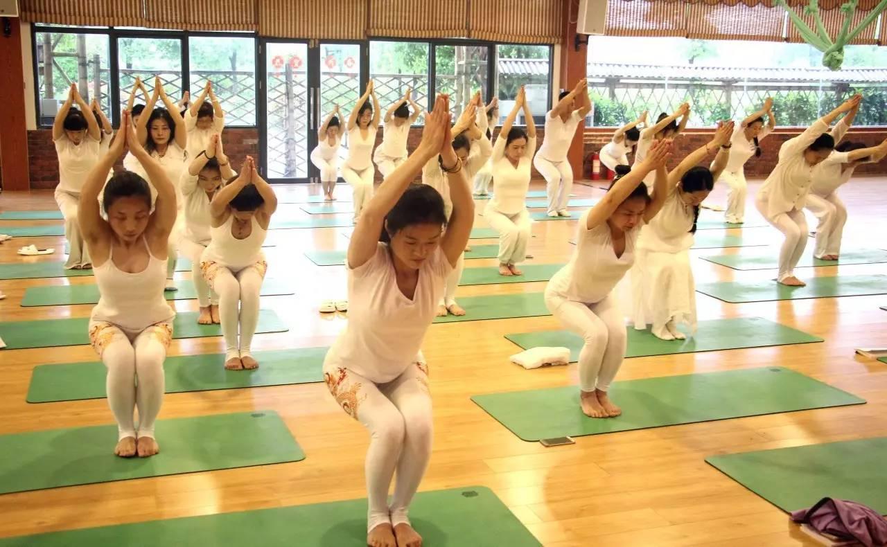 綠色營養早餐 ★平天湖游覽 ★杏花村游覽 ★中午返程 ★瑜伽集體照圖片