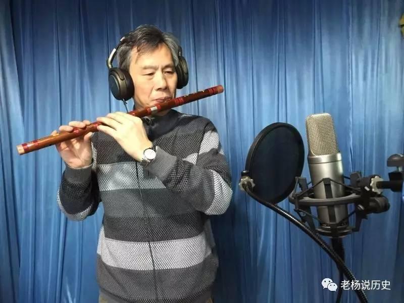 他创作的笛子独奏曲巜雪落梅开》,获得江苏省文化厅茉莉花政府奖,
