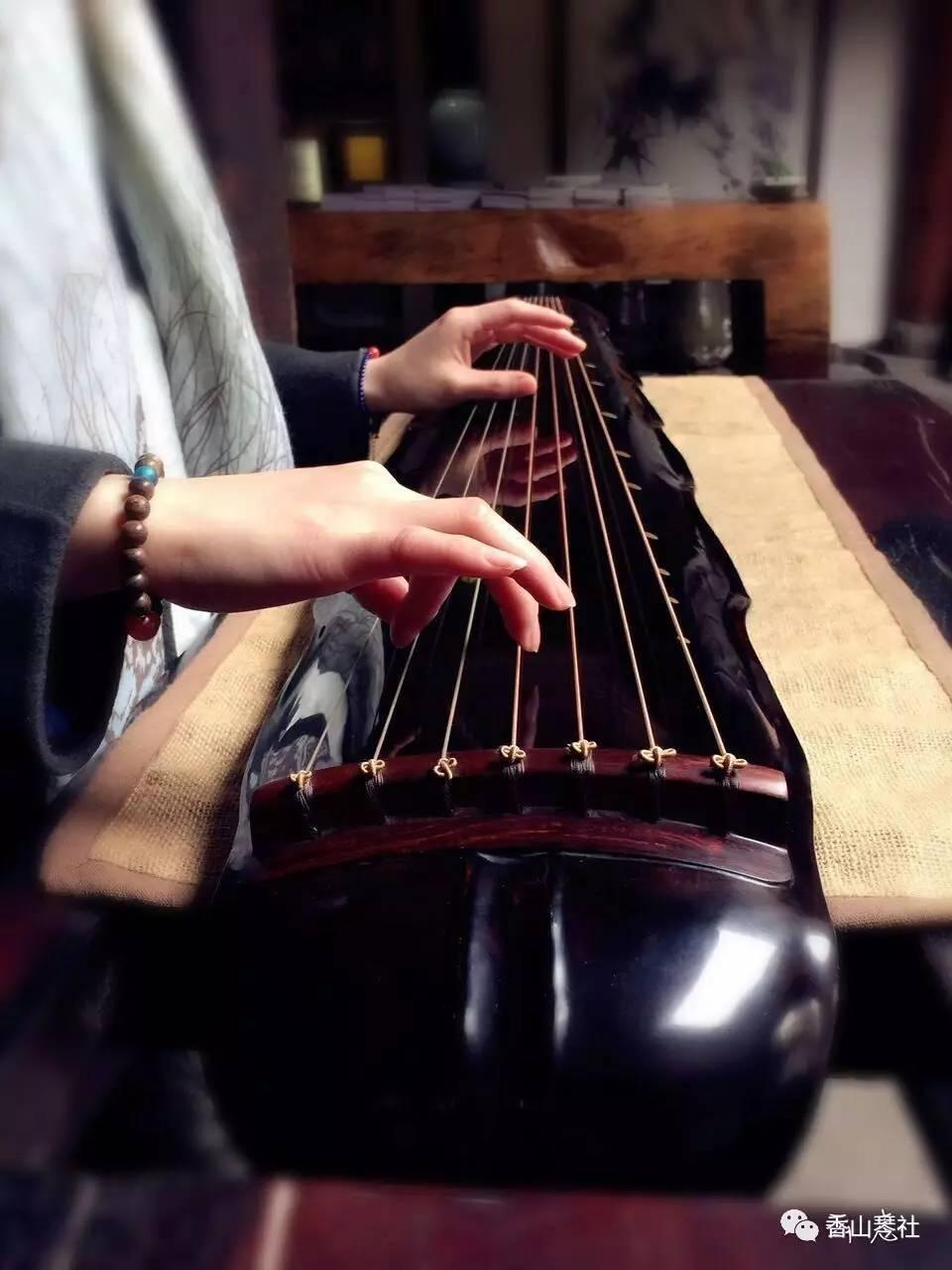 完了,一起来学古琴吧