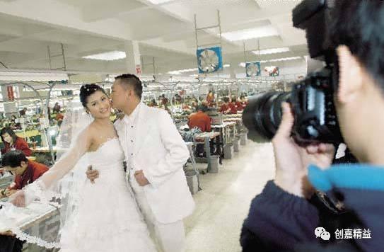 在婚纱店上班工资多少_婚纱店上班的照片