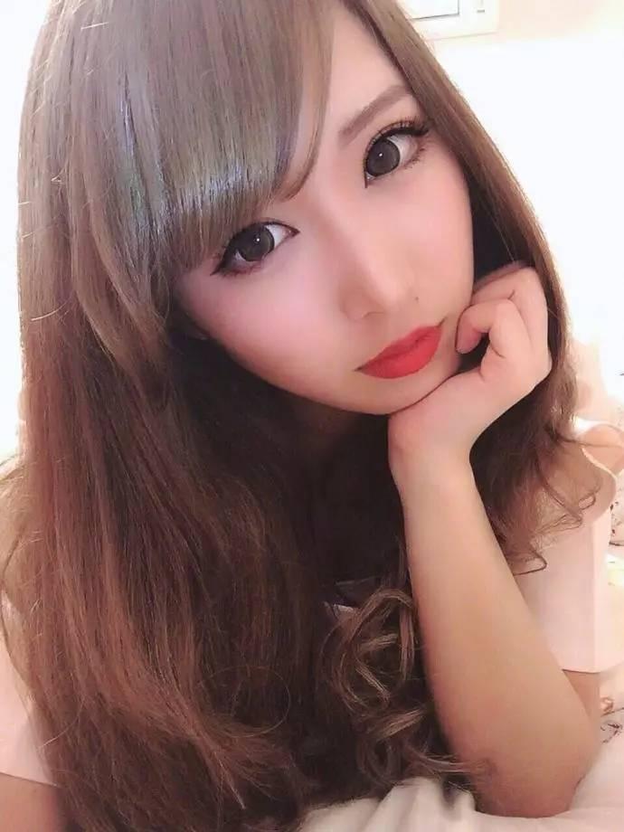 爆操小姐p_不要在网上找好看的小姐姐了,你只能找到很会化妆很会p图的小姐姐.
