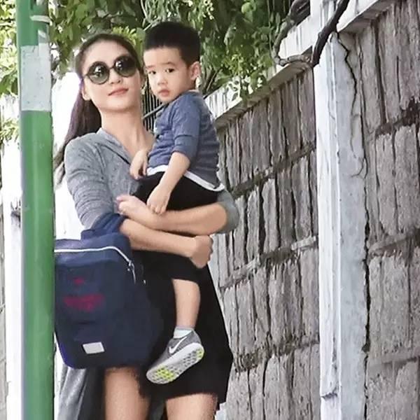 滺f,�b,9k�zf,�j�:d�y��_有传武打演员也将带着他的儿子——吴滺(外号:吴所谓)录影.