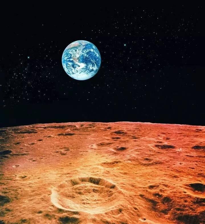ufo专家称,月球漆黑的另一面有好几个外星生物基地,今年,日本