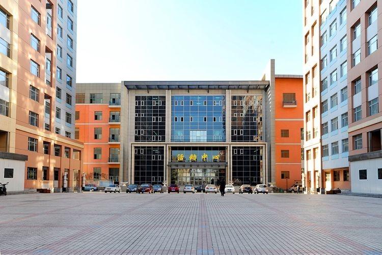 哈尔滨工业大学校园风景图片