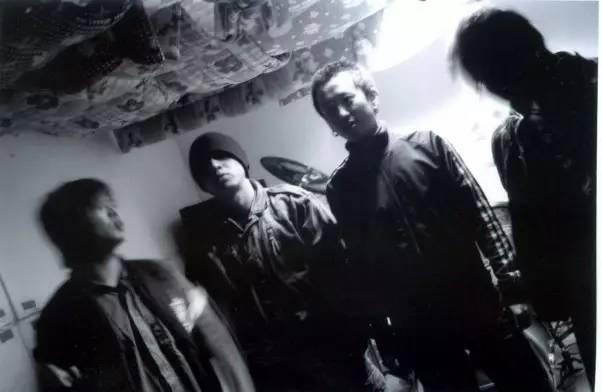 一个时代的公路之歌 | 痛仰乐队十八年回顾展7月开幕