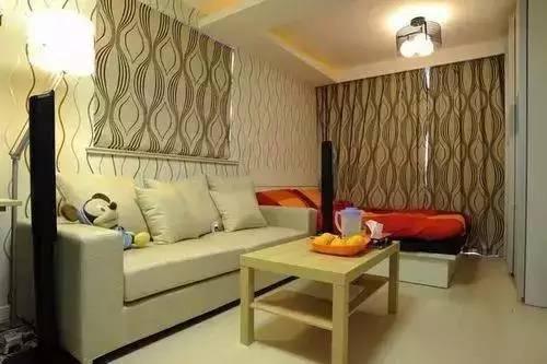 43平长条形单身公寓装修,客厅背景墙和窗帘好搭!