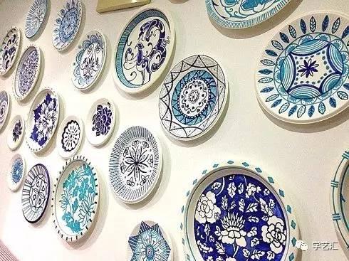 文化 正文  ——  纸盘青花瓷 —— 说起中国风,有什么能比青花瓷更有