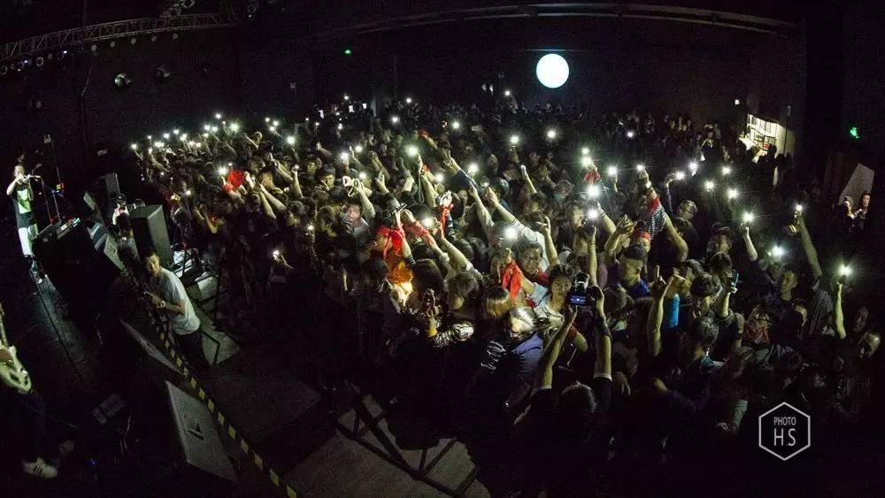 一个时代的公路之歌 | 痛仰乐队十八年回顾展7月开幕 百城巡演7到9月