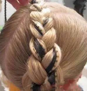 小女孩短发发型扎法图解 儿童短发弄什么发型好看图片图片